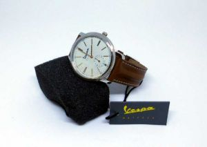 Vespa Uhr Heritage braun>